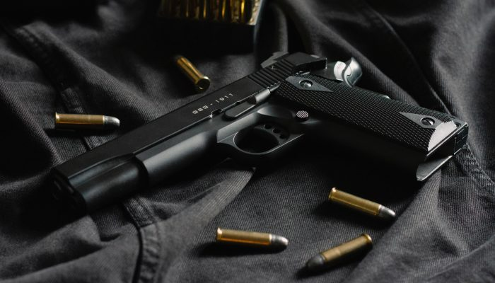 In a major foray into gun rights, the Supreme Court on Monday agreed to take up a lower court ruling that upheld New York's restrictive gun-perm law.